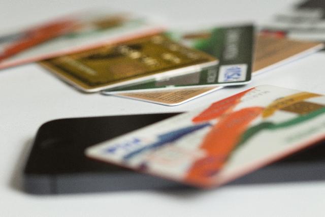 クレジットカードキャッシングカードローンのイメージ